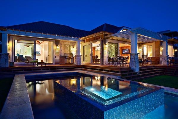 Hawaiian House On The Beach