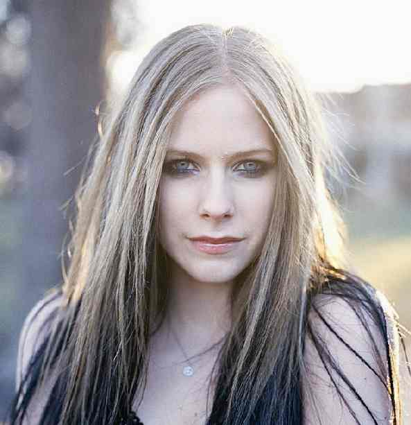 avril lavigne old hair. Avril Lavigne Face