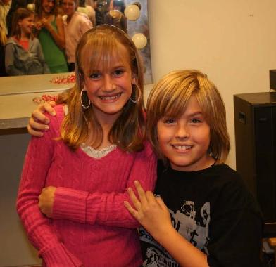 alyson stoner dating dylan sprouse