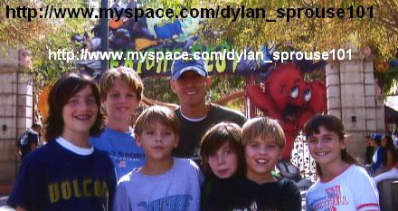 Dylan And Cole Sprouse Dad friends and their dad