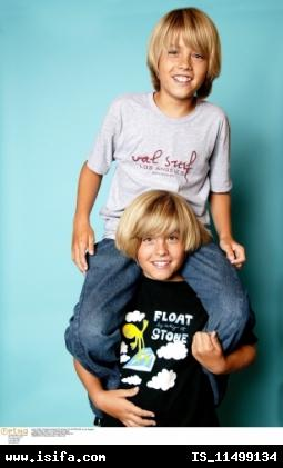 http://whttp://www.studentsoftheworld.info/sites/tv/img/5258_dylan%20gave%20cole%20a%20piggy%20back%20ride.jpgww.studentsoftheworld.info/sites/tv/img/5258_dylan%20gave%20cole%20a%20piggy%20back%20ride.jpg